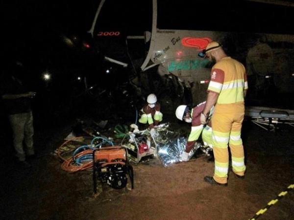 892c7781a Dois morrem e sete ficam feridos em acidente com três veículos na BR ...