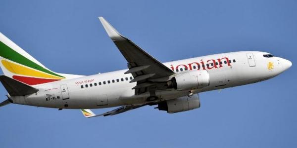 Imagem mostra Boeing 737-700 da Ethiopian Airline em novembro de 2017 | Foto: Issouf Sanogo / AFP / CP