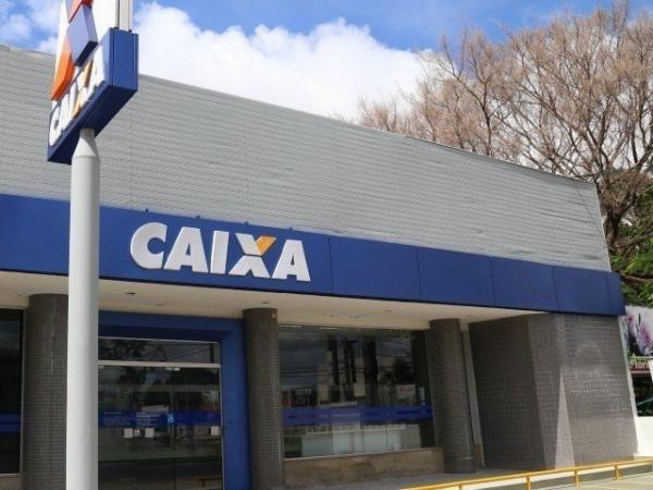 Trabalhadores da iniciativa privada retiram o dinheiro na Caixa Econômica Federal, e os servidores públicos, no Banco do Brasil (Foto/Arquivo)