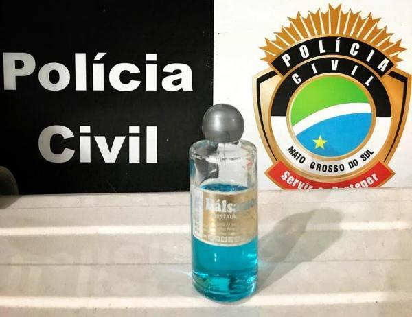Óleo apreendido usado pelo missionário — Foto: Polícia Civil/Divulgação